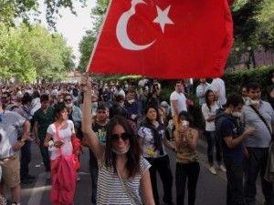 Антиурядові протести тривають у туреччині два тижні