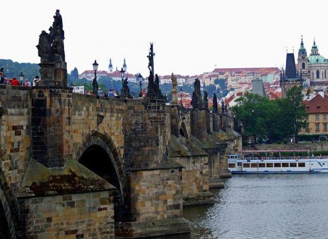 Карлів міст (Karl v most)