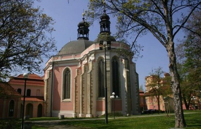 Церква Діви Марії і святого Карла Великого (Kostel Panny Marie a svat ho Karla Velik ho)