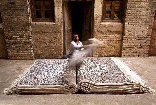 Де і як купити справжній перський килим в ірані?