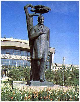 Пам`ятник Івану Куратова в Сиктивкарі, бронза, граніт. скульптор Мамченко