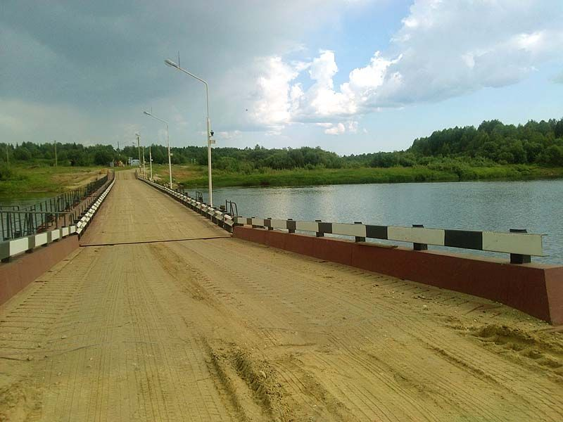 Новий понтонний міст через Сисоли на Ясног