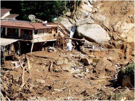 Зсуви в Ріо-де-Жанейро привели до загибелі 250 осіб