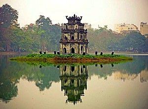 Озеро повернутого меча і храм черепахи в ханої
