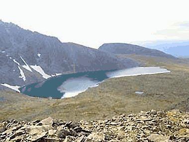 Озеро Тельпоса на Північному Уралі