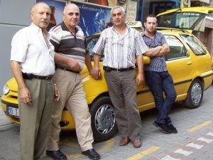 Пам`ятка для туристів: як боротися з курцями таксистами