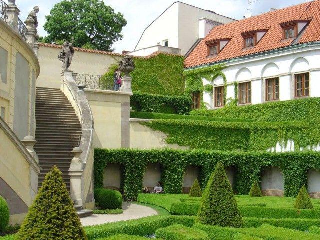 Сад Вртбовского двореца (Vrtbovsk zahrada)