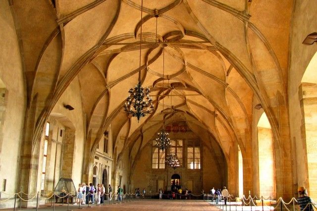 Владиславский зал (Vladislavsk s l)