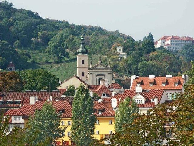Монастир Босих кармеліток
