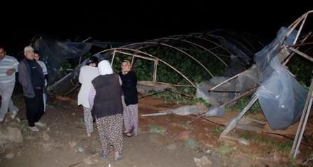 Від стихії сильно постраждали теплиці в районі Аксу, Анталія
