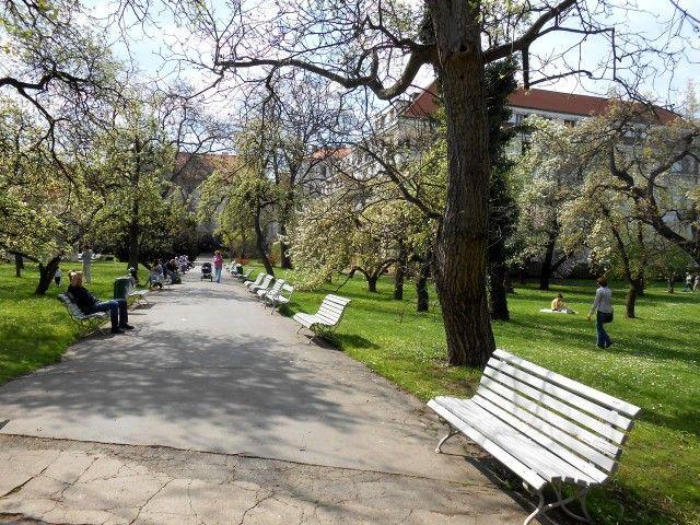 Найстаріший парк праги - воянови сади