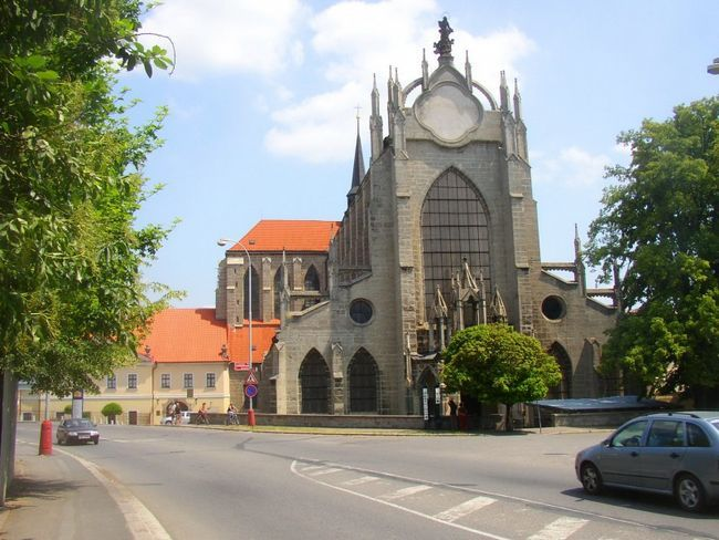 Фасад церкви Успіння Пресвятої Богородиці і святого Іоанна Хрестителя