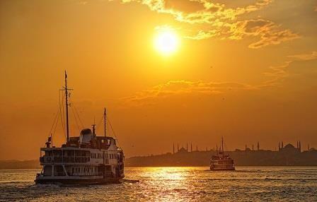 bosphorus-ferry-istanbul.jpg