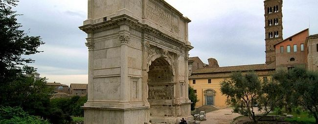 Арка Тита в Римі, Італія