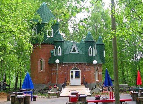 «Дитяче містечко» - оновлений замок царя Берендея